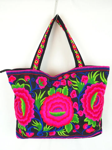 Embroidered Beach Bag 03