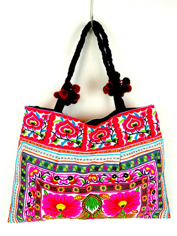 Embroidered Roomy Shopper 02