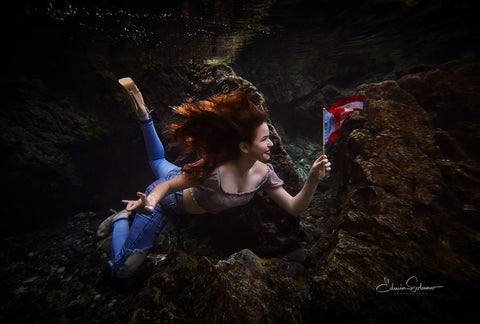 Underwater photographer Edwin Solano for Outex waterproof housings