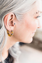 Load image into Gallery viewer, Earrings -- Mustard Marble