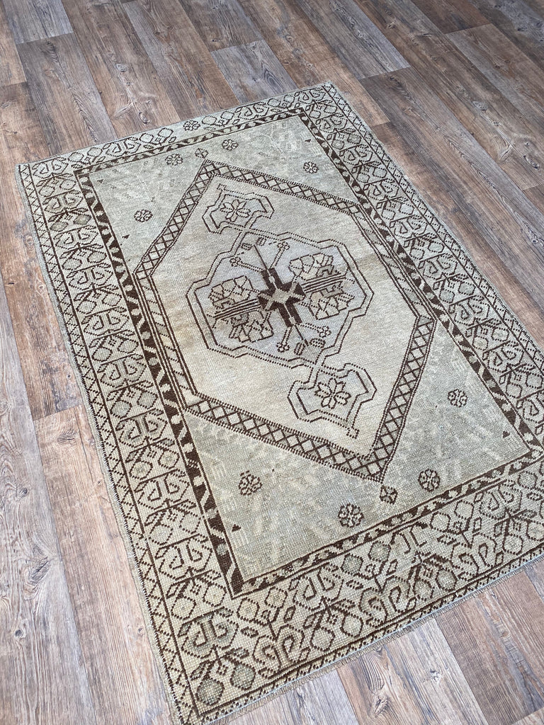 "3'4"" x 4'10"" Vintage Turkish Oushak"