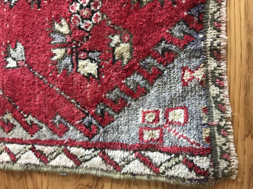 """Nicole"" 7'8""x4'4"" Vintage Turkish Area Rug"