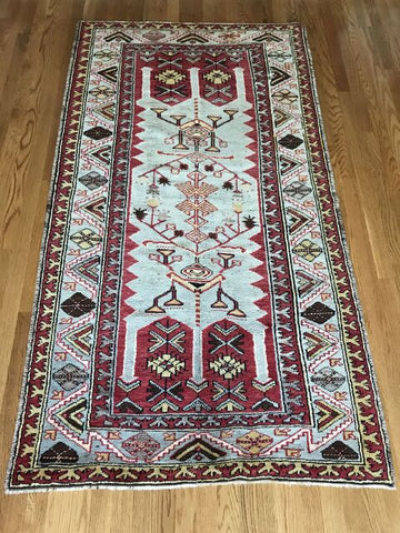 """Tejana"" 4'6""x3'2"" Vintage Turkish Rug"