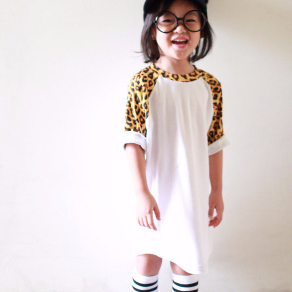 OVERSIDE LEOPARD PRINT BASEBALL RAGLAN DRESS