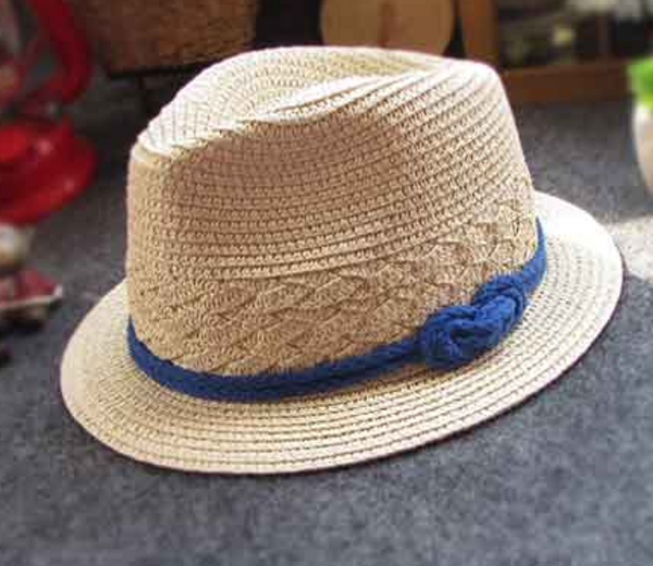 Straw knotted hat