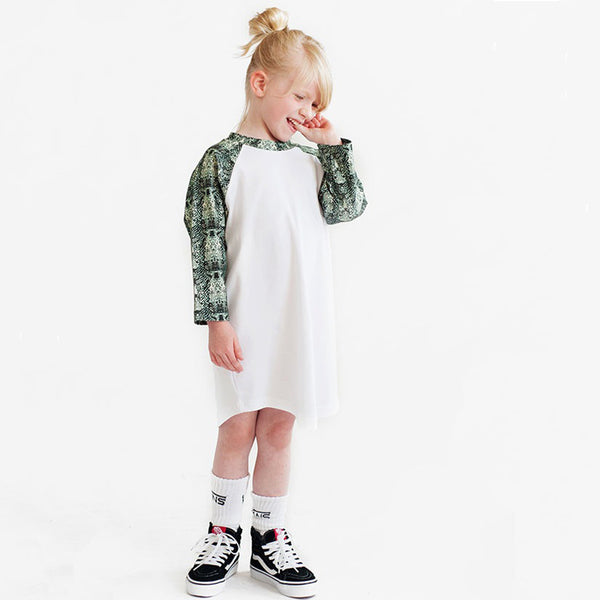 OVERSIDE SNAKE PRINT BASEBALL RAGLAN DRESS