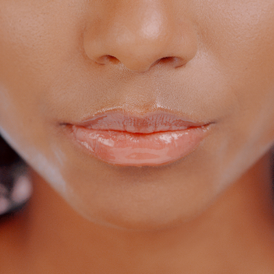 4 Tips to Keep Your Lips Hydrated in Cold Weather