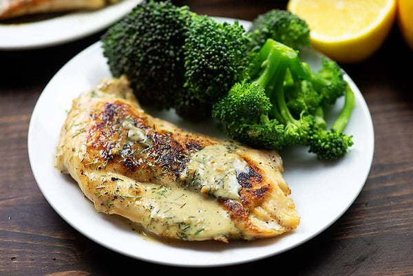 Creamy Lemon Garlic Chicken by That Low Carb Life