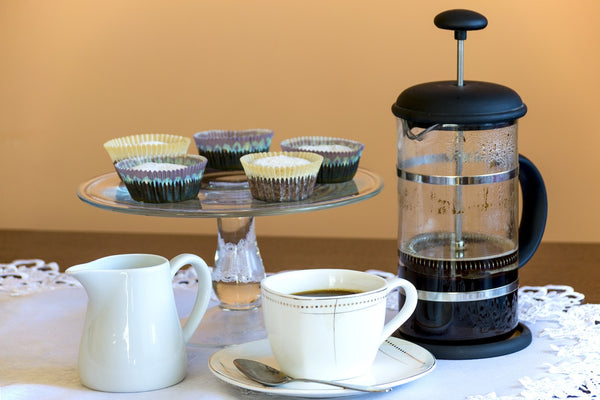 coffee maker with cups