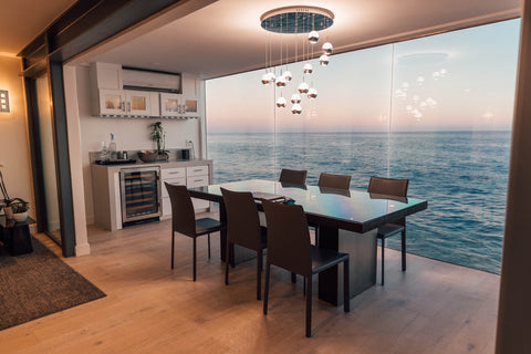 sea view dining