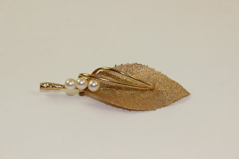 'Horn' Leaf Brooch with Pearls