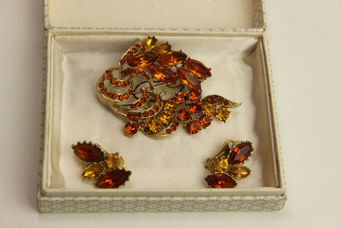 1960's Boxed Brooch Set