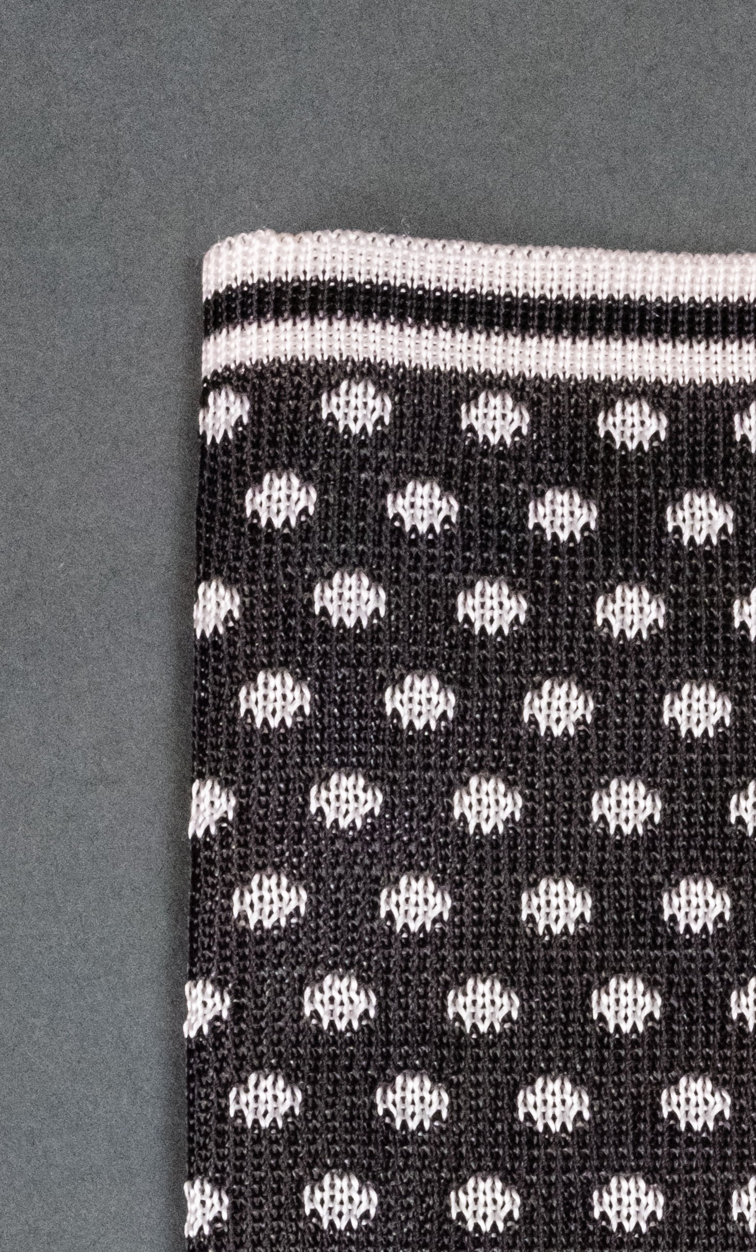 Gray With White Dots Knitted Silk Pocket Square