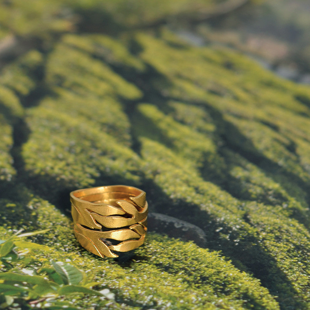 Chayya Tea Leaf Ring - Lifestyle shot