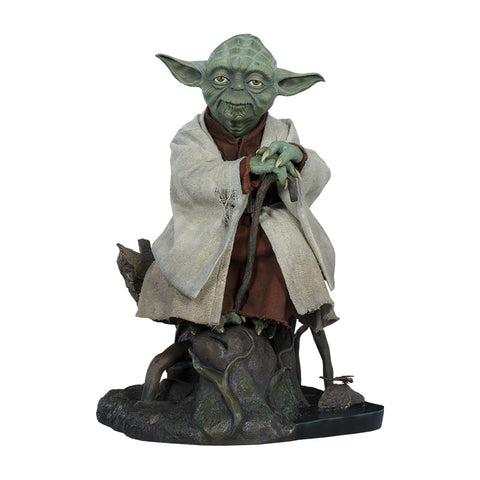 Yoda Legendary Scale Figure by Sideshow Collectibles