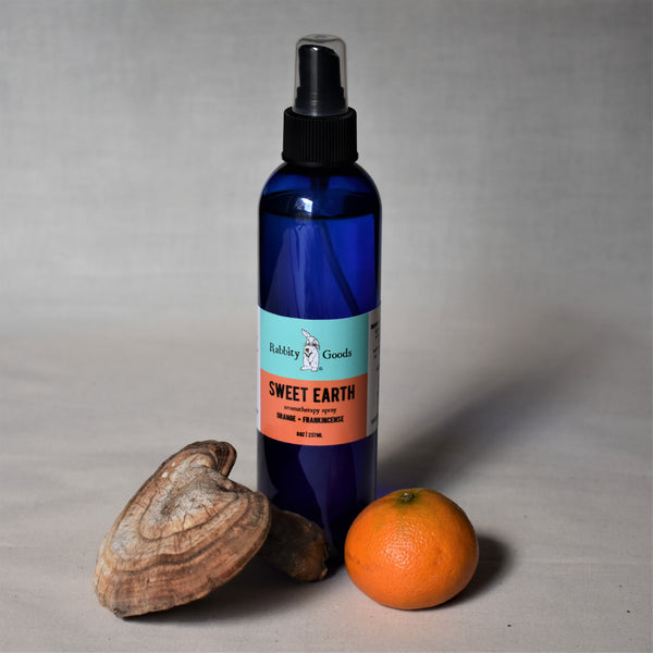 Sweet Earth Aromatherapy Spray 8 oz | Orange + Frankincense