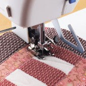 Deluxe walking foot with Quilting guide