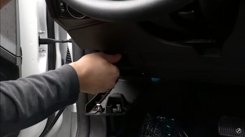connecting the SmartPRO to the OBD2 cable