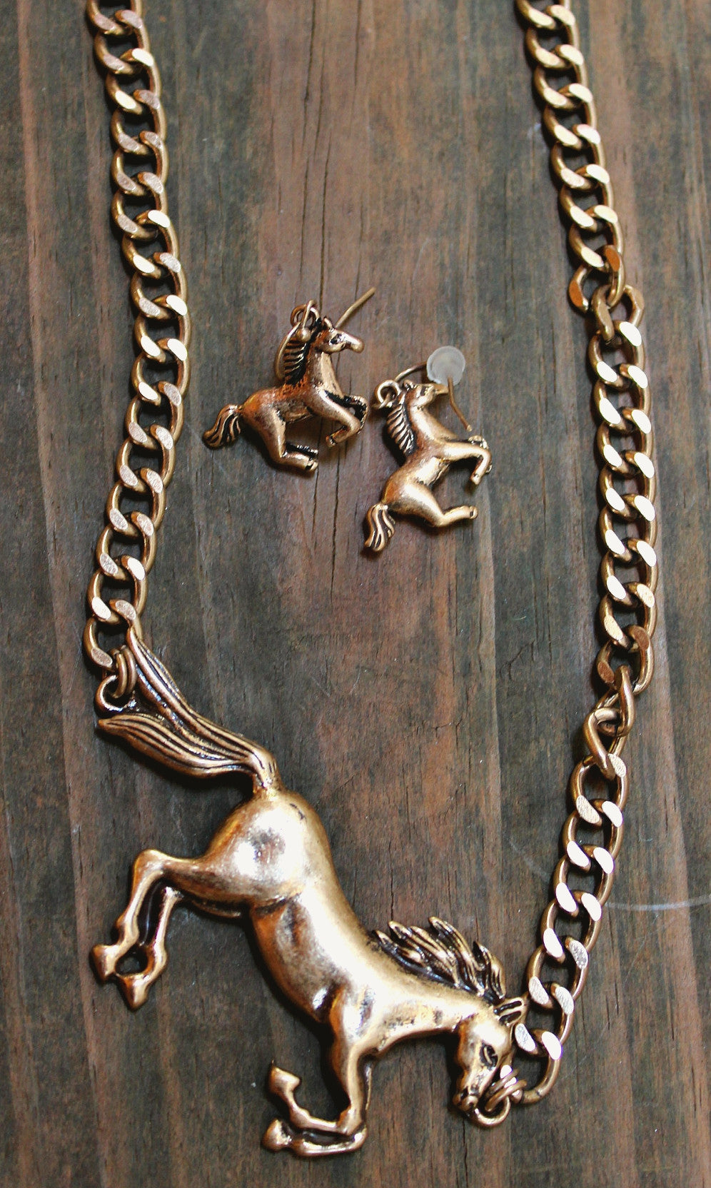Running Horse Ornate Necklace & Earring Set