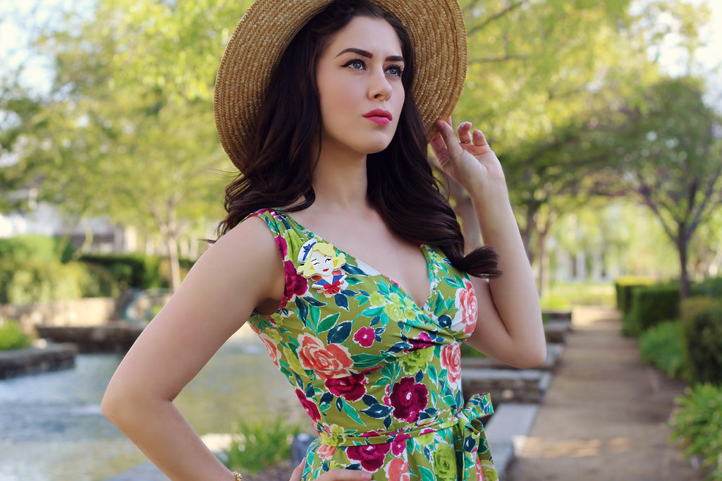 Spring is Here!!! Roll out the floral dresses...Southern California Belle Reviews Heart of Haute's Marie Dress in Olive Floral