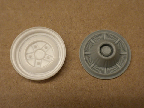 S35C 1/25 60's FORD WHEEL & HUBCAP SET 2WD S35C