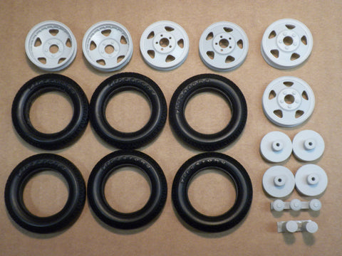W36 1/24 Ford BB Wheel & Tire Set
