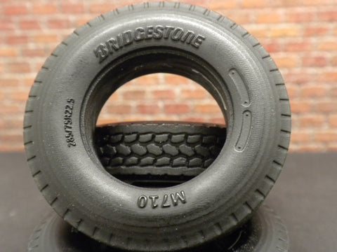 T32 1/25 22.5 Drive Tires