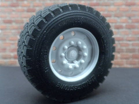 "W50   1/25 22.5"" 10 Hole Wheels w/ Float Tires"
