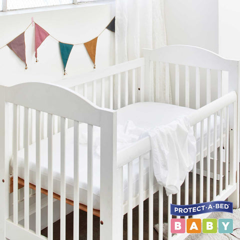 Universal Fitted Cot Protector - Tencel® (132cm x 78cm)
