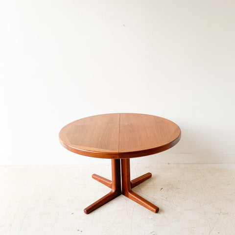 Mid Century Danish Teak Vejle Stole Dining Table w/ 2 Leaves
