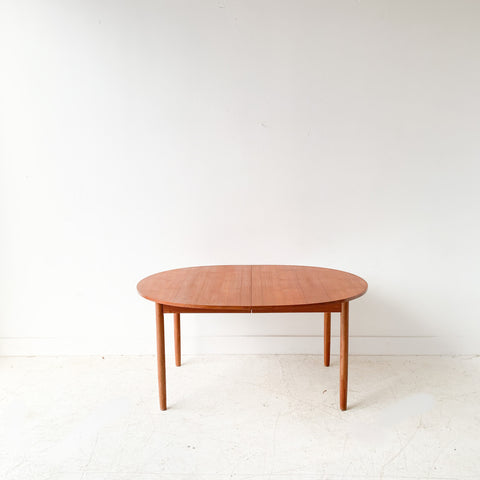 Mid Century Modern Danish Teak Oval Dining Table w/ 2 Leaves