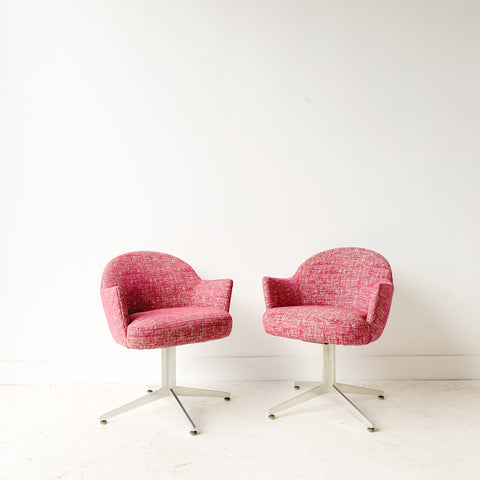 Pair of Swivel Lounge Chairs with Aluminum Bases