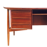 Arne Vodder for HP Hansen Desk