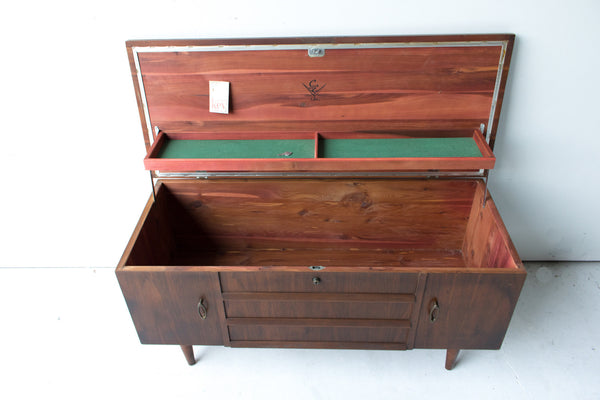 Lane Cedar Chest Atomic Furnishing Amp Design