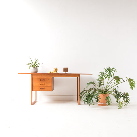 Vi-Ma Mobler Teak Extension Desk