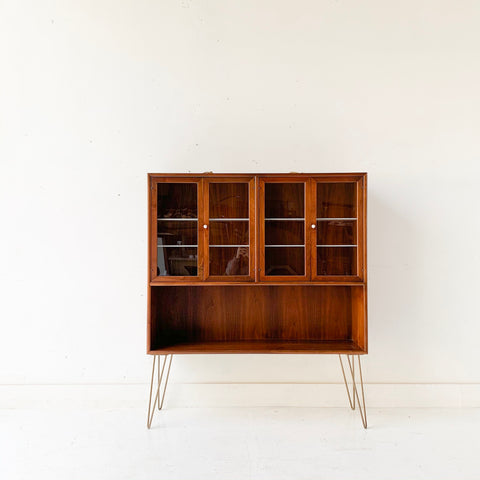 Mid Century Drexel Curio Cabinet on Hairpin Legs