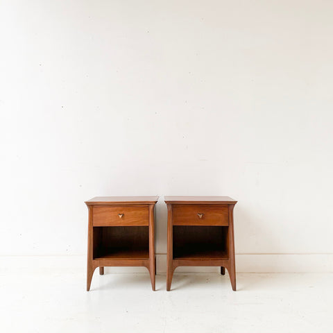 Pair of Mid Century Modern Mahogany Nightstands by Drexel