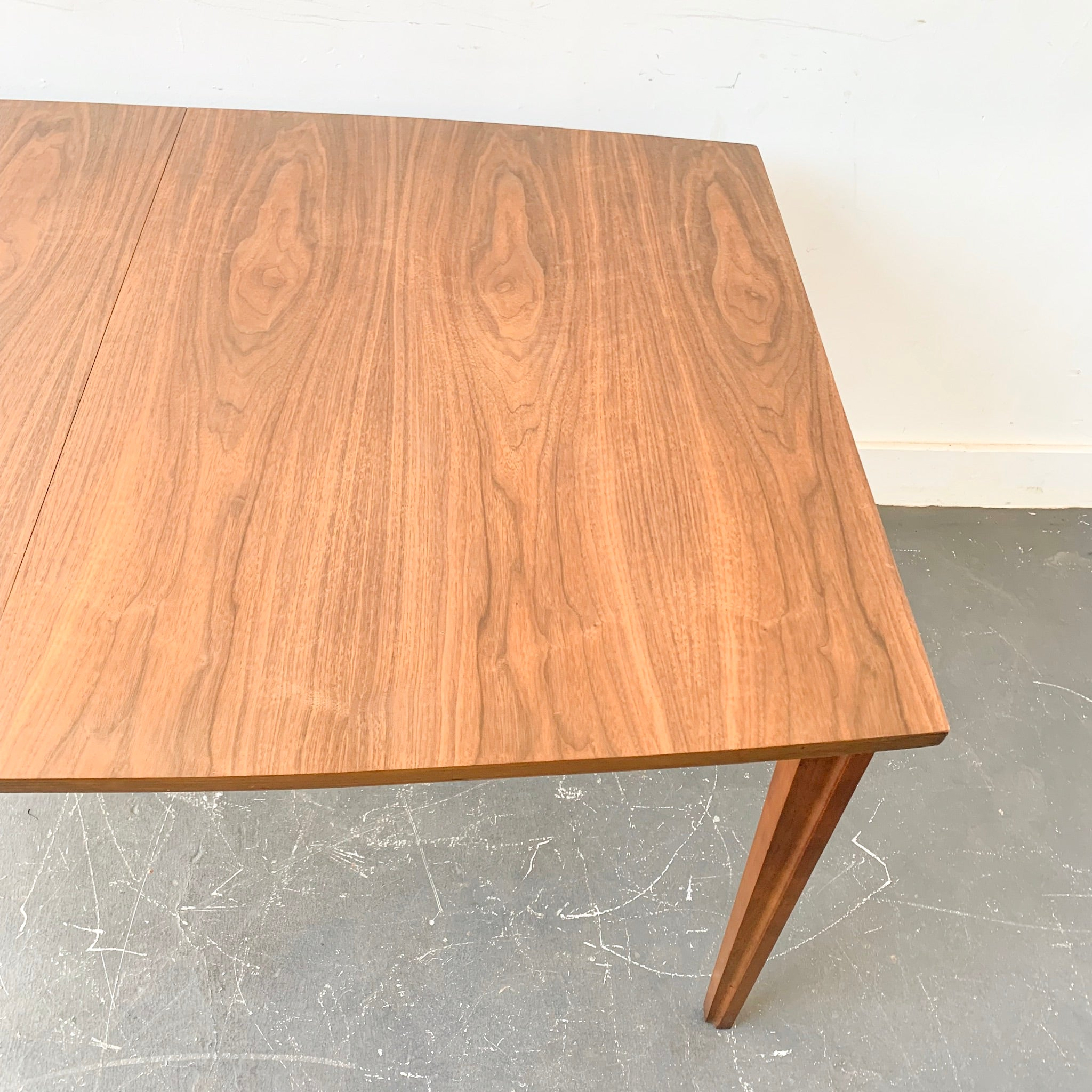 Mid Century Modern Dining Table by United Furniture