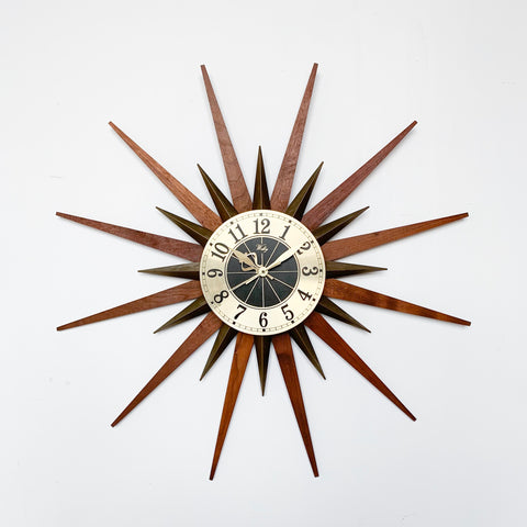 """Atomic"" Clock by Welby"