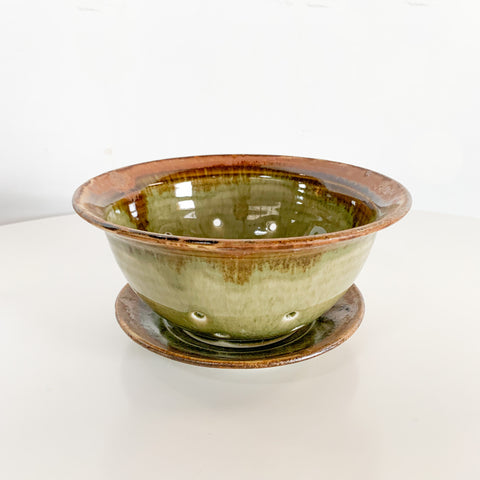 Celadon Berry Bowl 2 Pieces