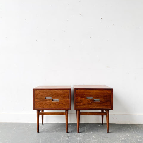 Pair of Mid Century Modern American of Martinsville Nightstands