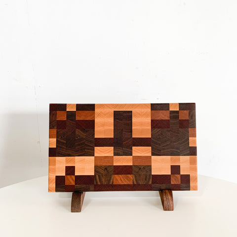4-Bit Cutting Board