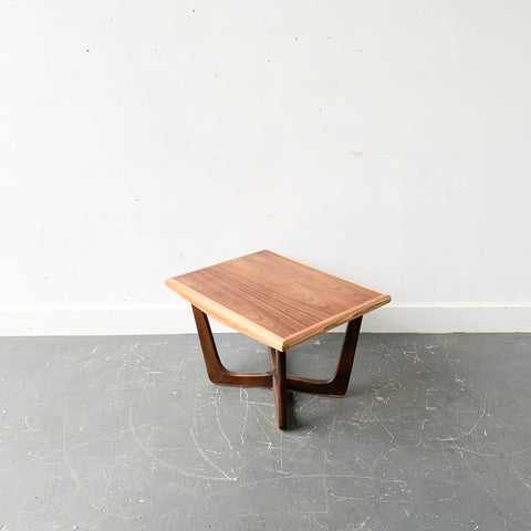 Mid Century Modern Sculpted Base End Table by Kroehler