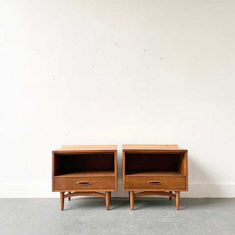 Pair of Mid Century Modern Broyhill Sculptra Nightstands