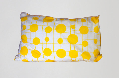Grid spots pillowcase