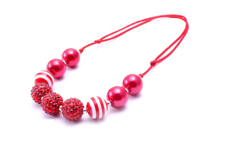 CHRISTMAS WHITE & RED NECKLACE