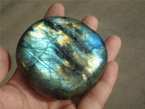 200g Natural labradorite Polished from Madagascar