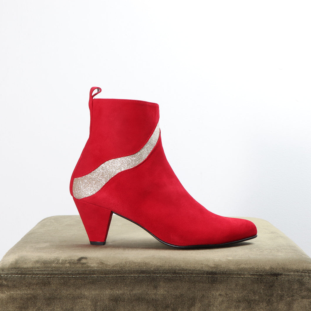 Andrea Suede Red