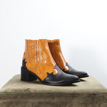 Load image into Gallery viewer, Brooklyn Calf Black and Python Mustard