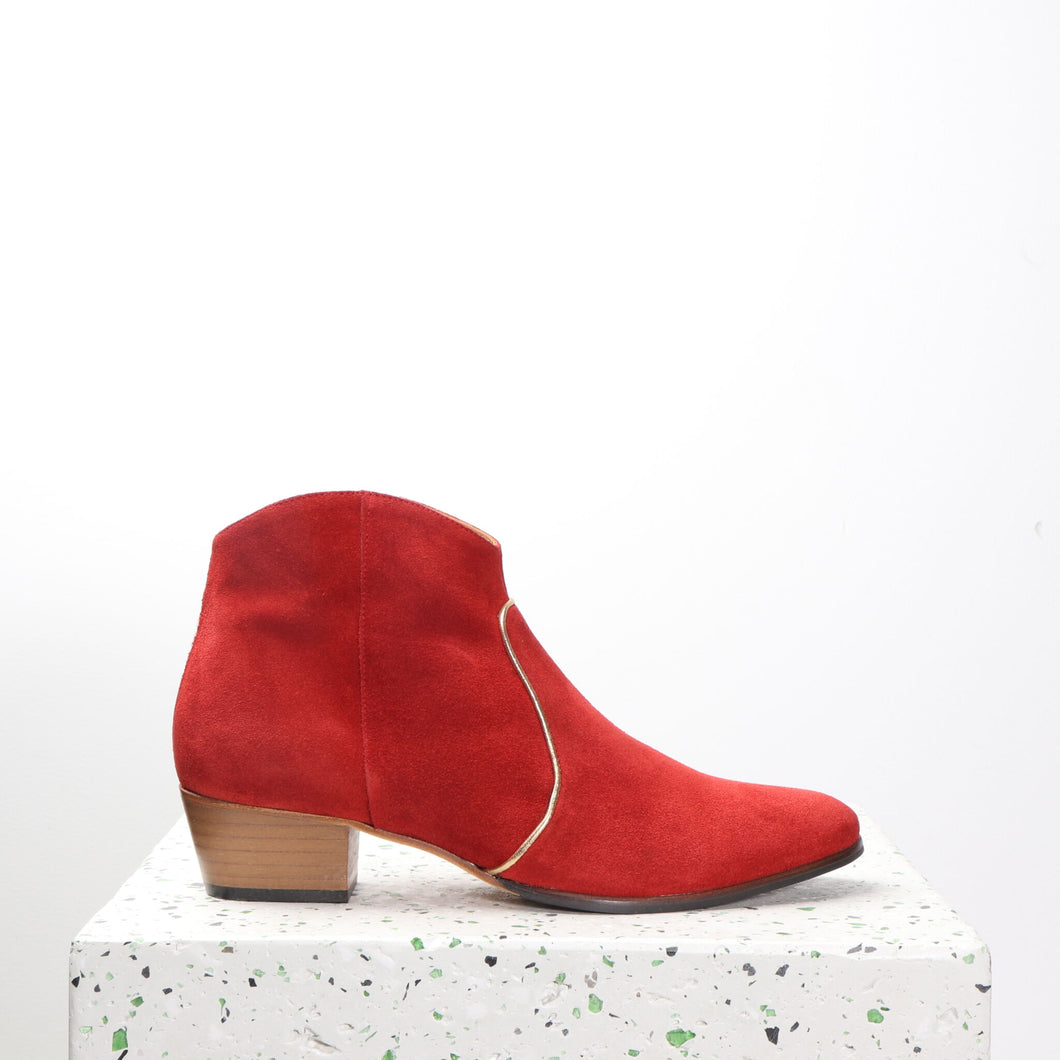 Dunn Suede Red